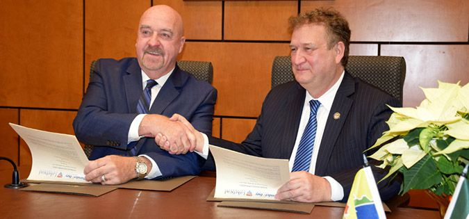 LU and TBay sign MOU   Lake Superior News